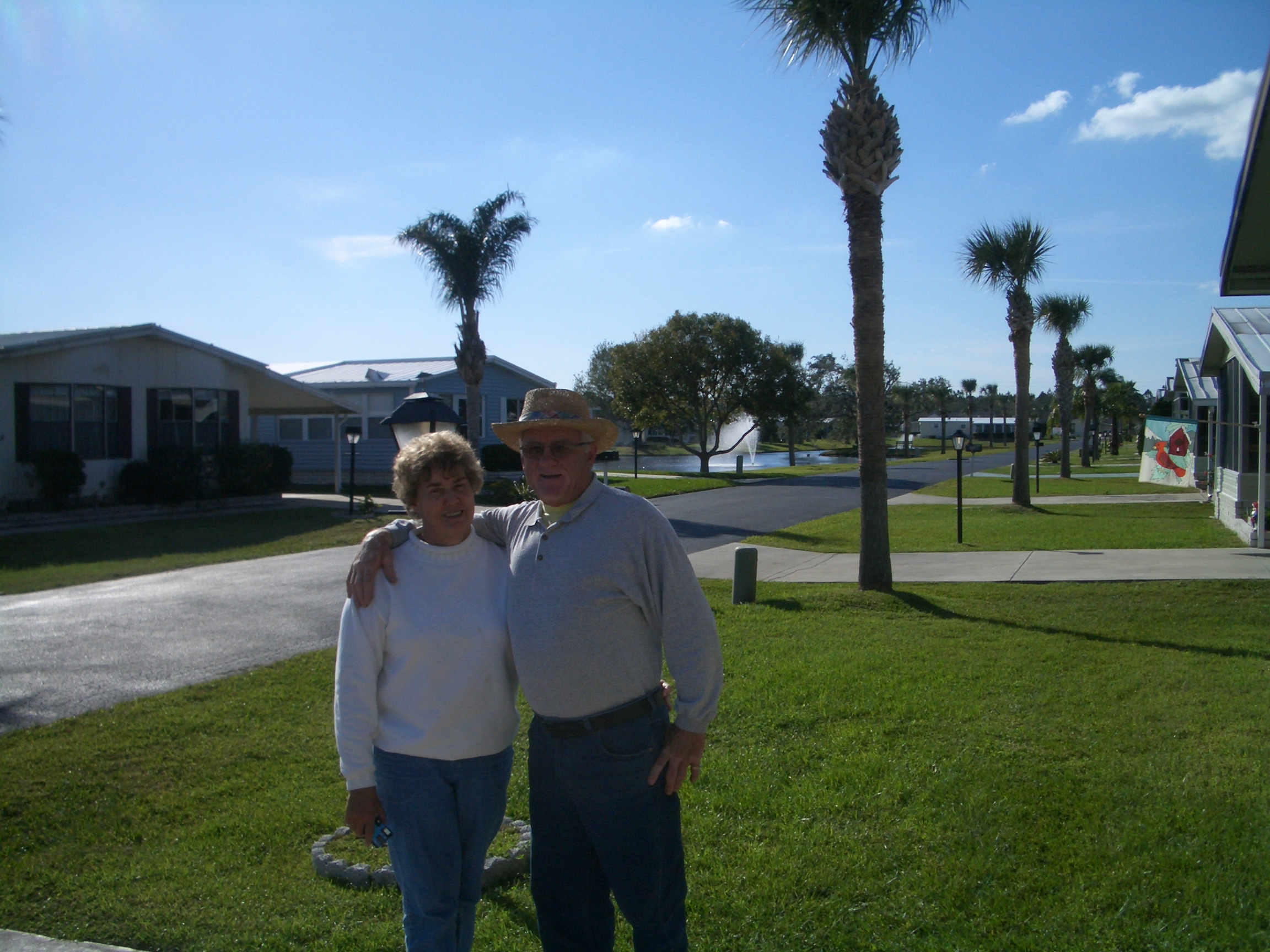 wayne lucy schappell hugging winter haven florida