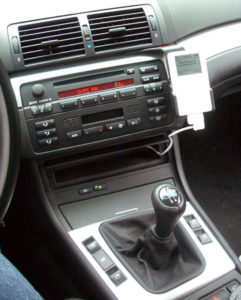 ipod automobile mount side view in bmw